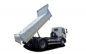 Three-way tipper volume 8 m3